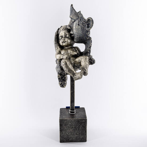 Figura fém puszi kisfiú 20,5x14x45cm